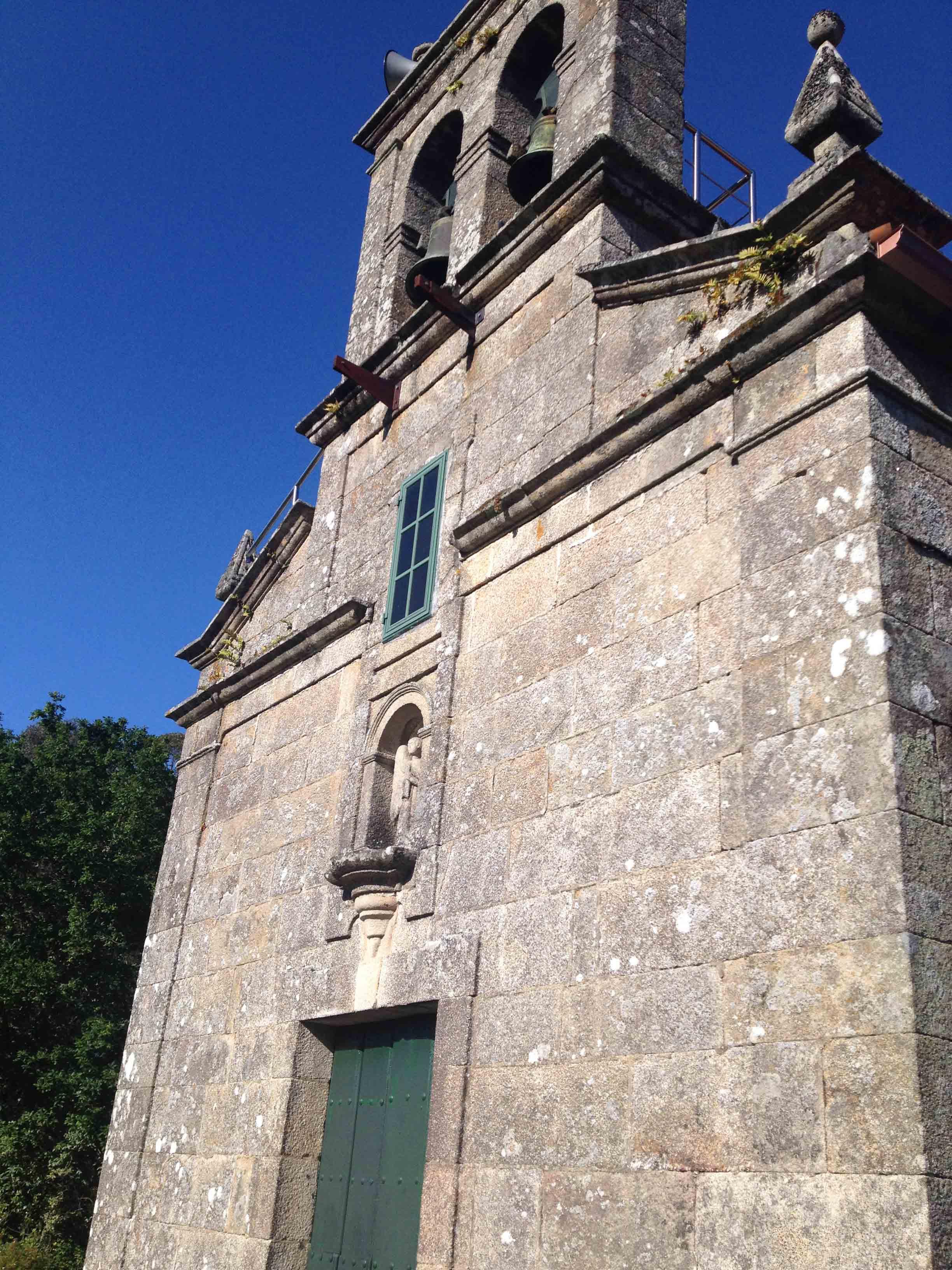 Iglesia de Bora